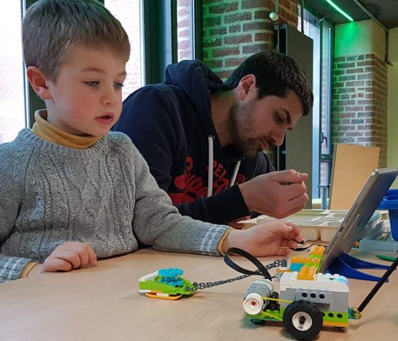 ateleir construction programmation robot euratech kids euratechnologies